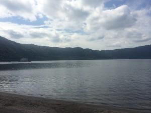 十和田湖2 あと数週間で色づきます